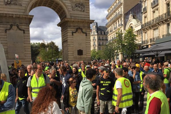 """La manifestation des """"gilets jaunes"""" va contourner le centre-ville de Dijon où se tient la traditionnelle braderie samedi 7 septembre 2019."""
