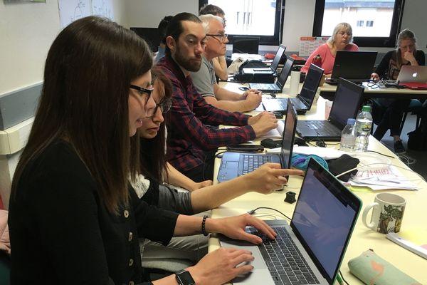 Dans l'Allier, 18 demandeurs d'emploi bénéficient d'une formation gratuite de 8 mois pour apprendre le métier de référent digital.