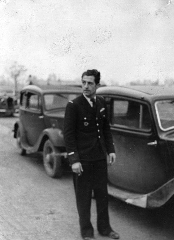 Pierre Blaize en 1941 à l'aérodrome de Kenley en Angleterre.