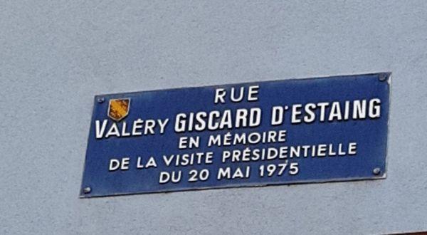 Une plaque de rue pour se souvenir de la visite du Président
