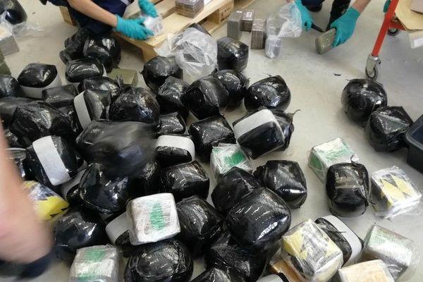 Les 500kg de cannabis ont été saisis par les douaniers dans un camion immatriculé en Lituanie, vendredi 12 juillet 2019.