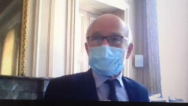 Le maire de Metz porte désormais le masque