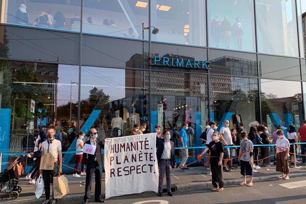 L'enseigne Primark, cible d'une manifestation ce samedi 12 septembre, à Strasbourg.