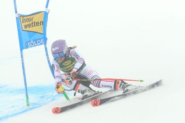 Tessa Worley, ici à Sölden en octobre 2020, skiera de nouveau aux géants de Courchevel, les 12 et 13 décembre 2020.