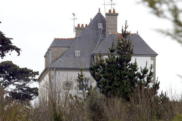 Vue prise le 5 mars 2004 à Saint-Briac-sur-Mer, de la maison familiale où John Kerry, enfant, a passé des vacances en compagnie de son cousin germain Brice Lalonde