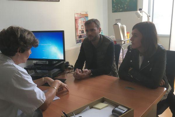 Fanny et Geoffroy, couple de receveurs d'ovocytes en consultation au CECOS de Tours.