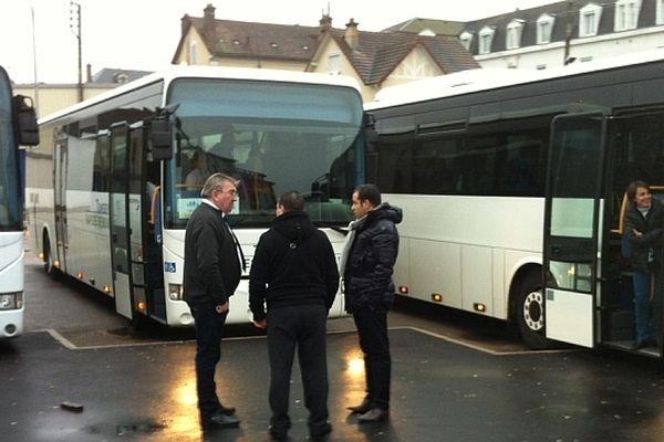 7 autobus ont quitté Auxerre dimanche matin, au lieu des 3 prévus au départ.