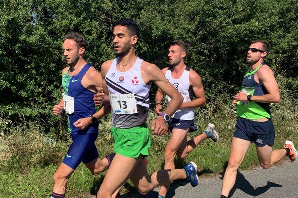 350 coureurs ont pris le départ des 10 kilomètres de Clairmarais, première course autorisée en France depuis le déconfinement.