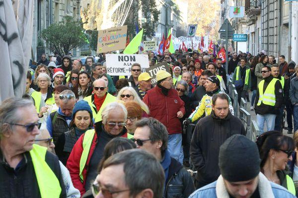 Manifestation du 7 décembre, dans les rues d'Avignon