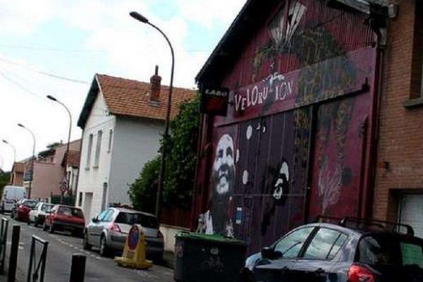 Le local de stockage de vélorution, rue Bénezet, à Toulouse.