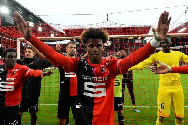 Yann Gboho célèbre la victoire du Stade Rennais
