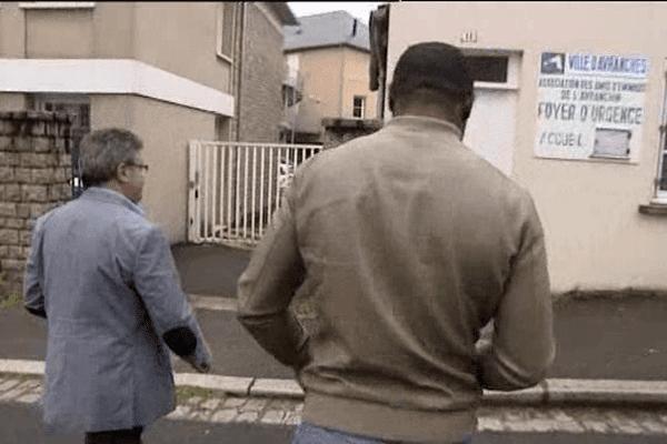 Paul vient du Cameroun et cherche chaque soir un logement à Avranches.