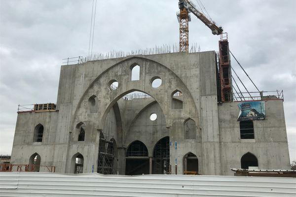 Trois ans de travaux encore pour achever l'ensemble de la mosquée Eyyub Sultan de Strasbourg. Si l'association Millî Görüs, porteuse du projet, parvient à boucler les 32 millions d'euros de budget prévu.