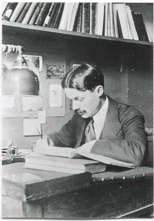 Maurice Genevoix, étudiant à l'École normale supérieure