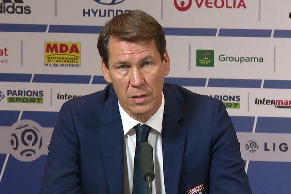Première conférence de presse pour le nouvel entraîneur