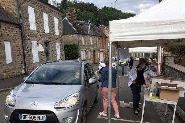 Villedieu-les-Poêles: La distribution gratuite de masques pour tous les habitants de la Manche a commençé
