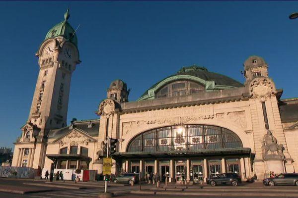 Une des plus belles gares du monde d'où les trains partent (trop) souvent en retard...