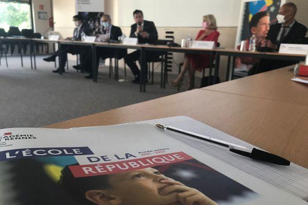 Lors de la conférence de presse du recteur d'académie, ce mardi matin à Rennes