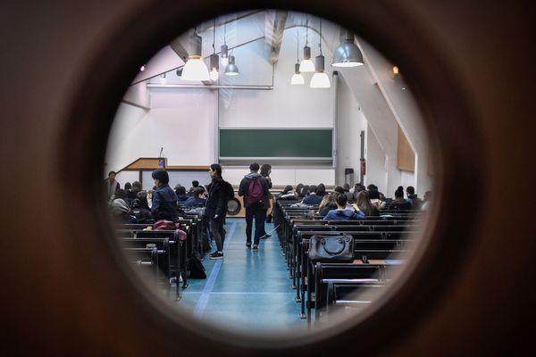 Pendant un trimestre, des lycéens ont découvert la vie à l'université en suivant une des matières de la licence de droit. (photo d'illustration, ici l'université Panthéon-Sorbonne)
