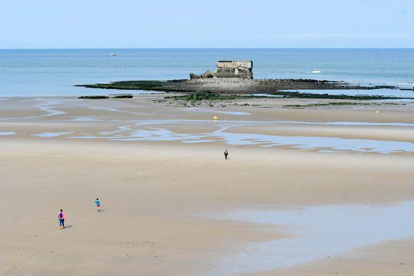 Le fort de l'Heurt à marée basse au Portel (62)