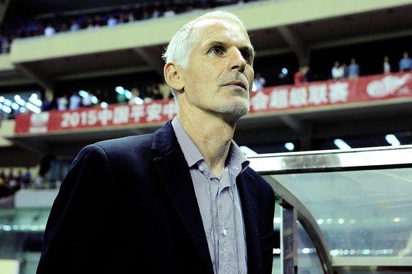 Francis Gillot, entraîneur de l'AJA