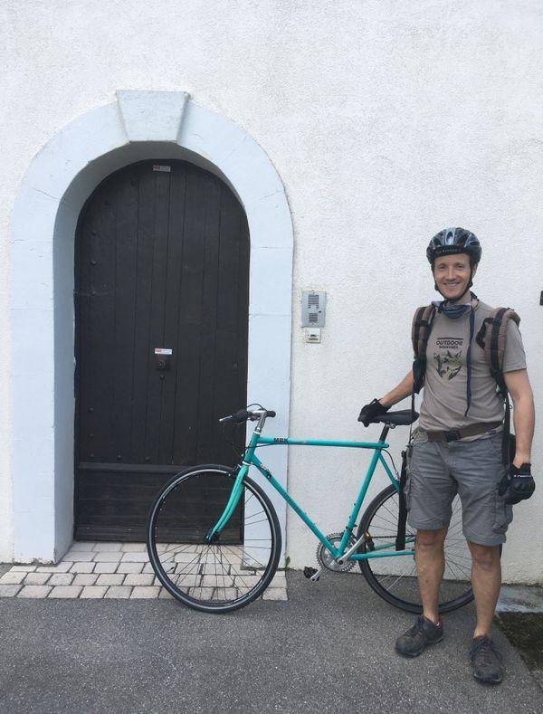 Il suffit d'avoir un vélo et l'envie d'aider les autres.