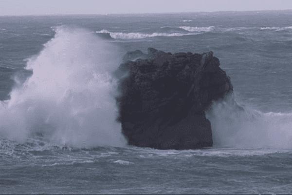 La mer déchaînée sur le littoral du nord Finistère le 1er février 2014