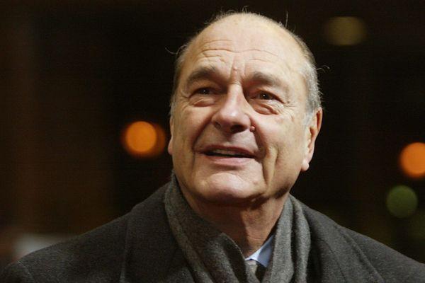Jacques Chirac fut président de la République pendant douze ans (1995-2007), deux fois Premier ministre, trois fois maire de Paris, créateur et chef de parti et ministre à répétition.