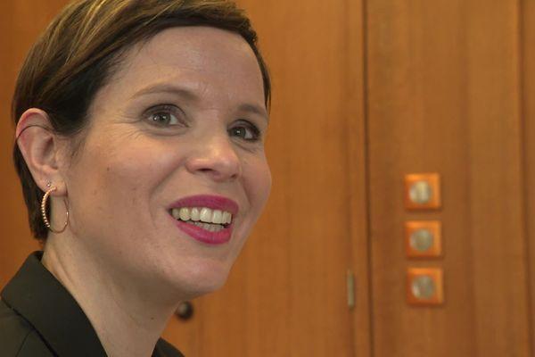 Hélène Burgat, maire de Mondeville