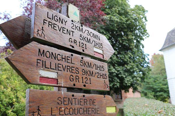 Plusieurs randonnées ou balades peuvent être faites en partant de Boubers-sur-Canche
