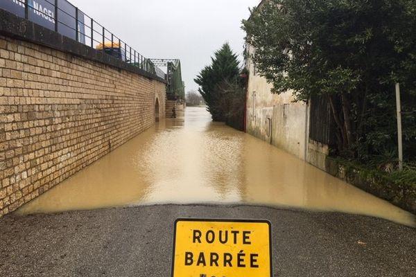 Une quinzaine de routes départementales a été coupée. La plupart se situe dans le val de Garonne.