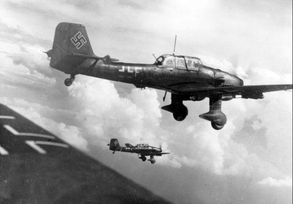 Une formation de Stukas en juillet 1940.