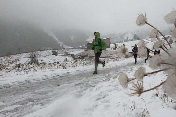 Samedi et dimanche 27 décembre, dans le Puy-de-Dôme, la neige s'est invitée au trail du Sancy.