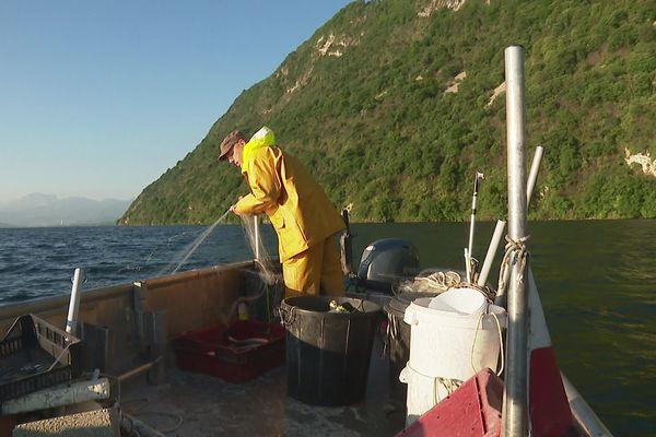 La pêche fait partie des activités qui seront à nouveau autorisées à partir du 20 mai sur le lac du Bourget en Savoie.
