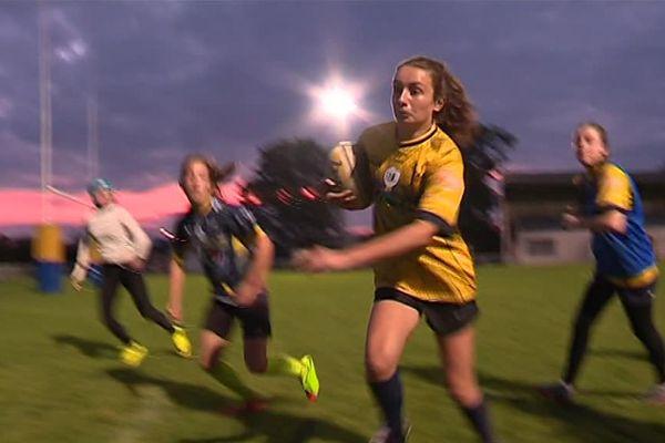 Joueuses de l'US Joué Rugby féminin