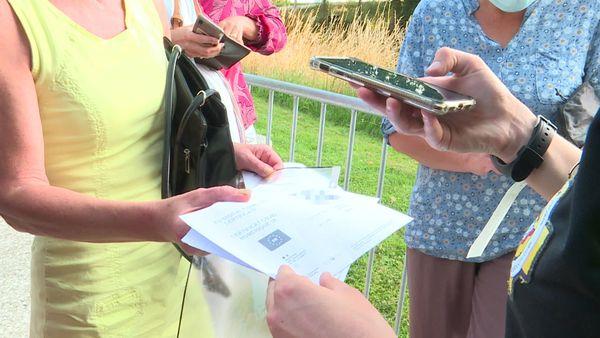 21 juillet 2021 : contrôle du pass sanitaire à l'entrée du festival Moz'aïque aux jardins suspendus du Havre