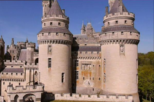 Le château de Pîerrefonds a été construit au XIVe siècle