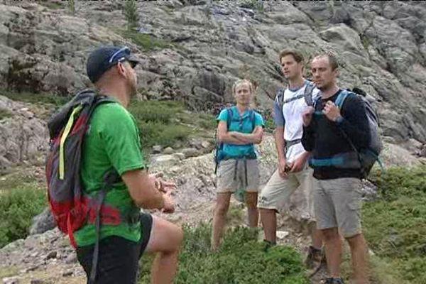 Randonneurs, en Corse, sur le GR20