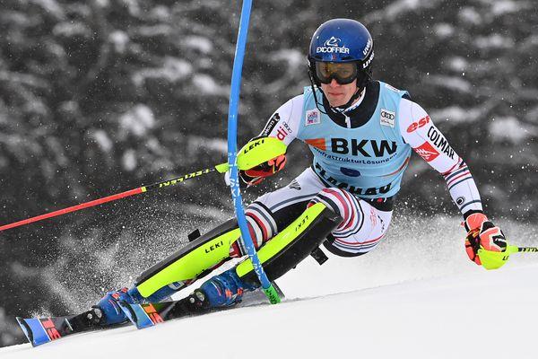 Clément Noël lors de la première manche du slalom de la Coupe du monde de ski alpin FIS à Flachau, en Autriche, le 16 janvier 2021.