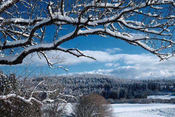 La neige pourrait bien faire son retour en ce début avril sur les reliefs du Doubs et Jura.