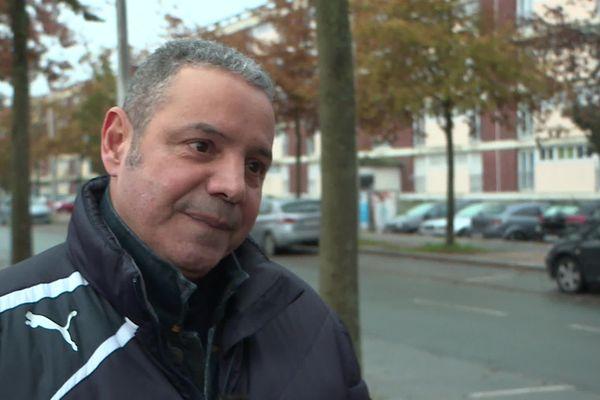 Yassine Mokkadem vit depuis plus de 50 ans dans le quartier d'Amiens Nord.