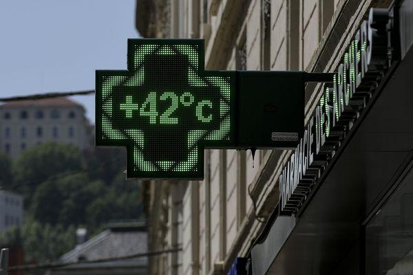 Les températures vont continuer à monter cette semaine pour atteindre 40°C mercredi à Lyon