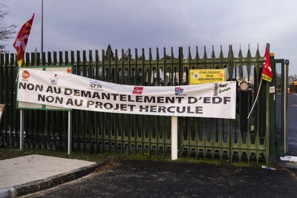 """Près d'un agent d'EDF sur quatre (23,82%) était en grève mardi 19 janvier 2020 pour demander le retrait du projet """"Hercule""""."""