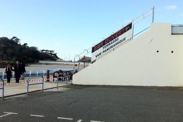 Le parking de la boite de nuit Les Chandelles à Trébeurden en 2013.