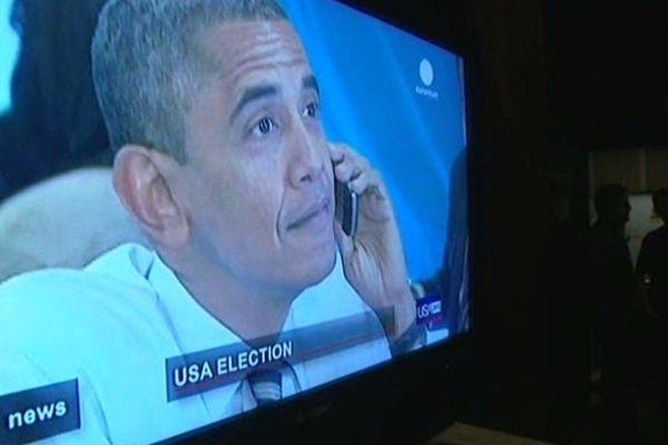 Au terme d'une soirée enthousiaste, les expatriés américains ont appris vers 6 heures du matin la réélection de Barak Obama.