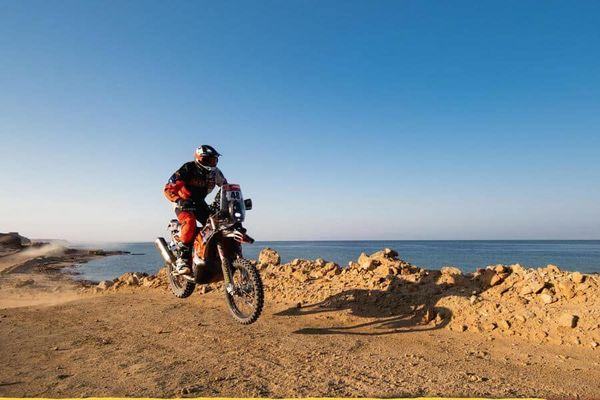 Le pilote toulois Mathieu Dovèze a terminé 29 ème du Dakar dans la catégorie moto.