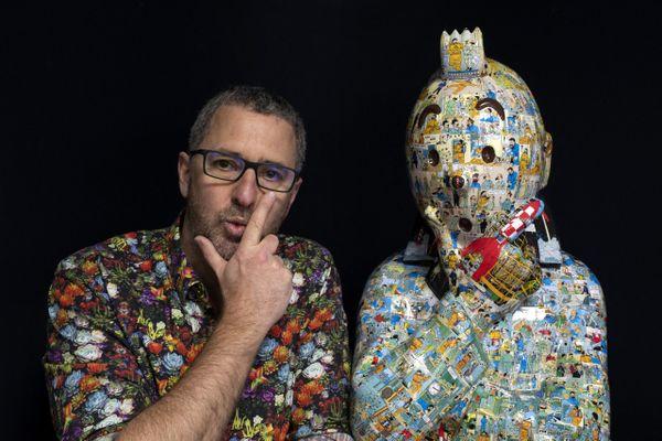 Peppone, alias Christophe Tixier, était poursuivi pour la seconde fois par les éditions Moulinsart, qui l'accusent de contrefaçon pour ses bustes de Tintin.