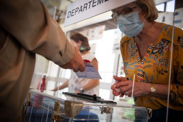 Les élections départementales 2021 ont vu la réélection de nombreux binômes élus en 2015.