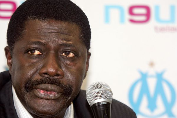 L'ex-président de l'Olympique de Marseille Pape Diouf (ici en 2005), est mort du coronavirus au Sénégal le 31 mars 2020.