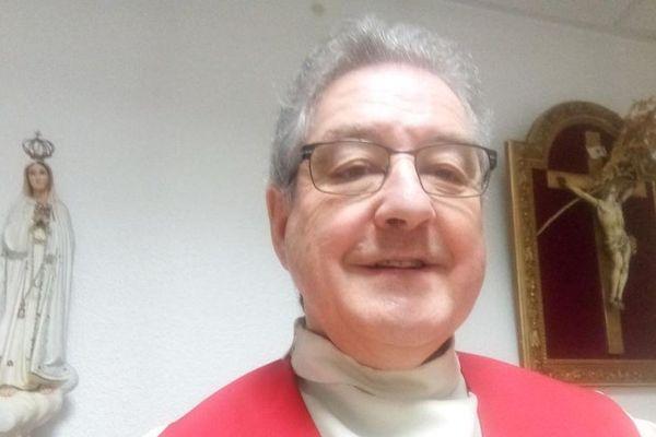 Jean-Pierre Millet, prêtre à Montluçon dans l'Allier, a été atteint par le coronavirus COVID 19.